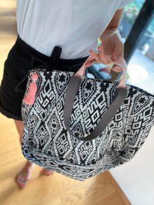 XL Shopper grafisches Muster mir Rosé 3